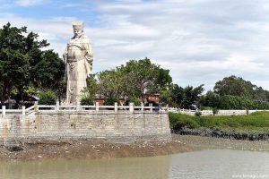 Luoyang Wan'an Bridge Fujian Cai Xiang statue